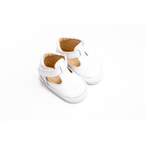 Papucei din piele cu scai de culoare albă