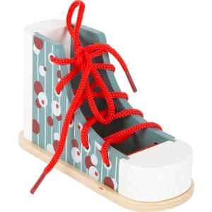 Papuc din lemn cu șiret